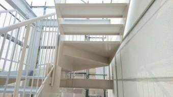 階段仕上げ塗