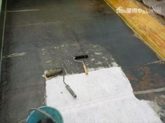 床ガラス繊維貼り付