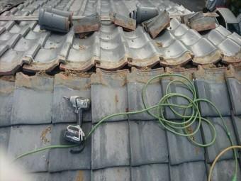 屋根瓦撤去状況