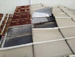 鋼板屋根工事前