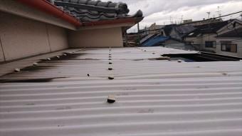 屋根材波板上アングル
