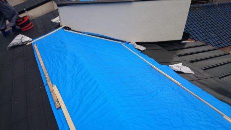 棟片側屋根シート養生