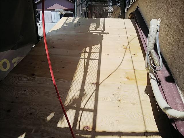 屋根下地構造用合板張り
