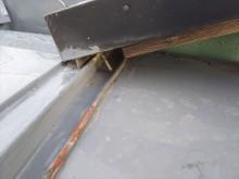 瓦棒葺き施工不良