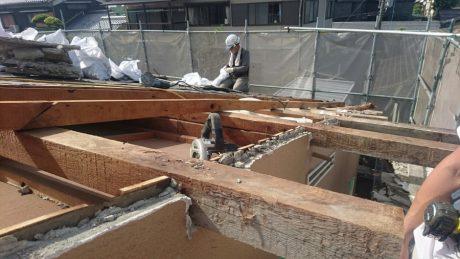 富田林市で屋根改修カバー工法の下地工事を施工しました。