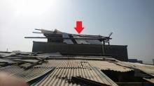 隣家に飛散した屋根