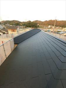 屋根「中塗完了