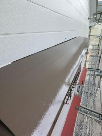 外壁塗装 庇中塗り完了
