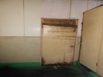 トイレブース・壁現況