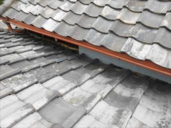 屋根取り合い 板金