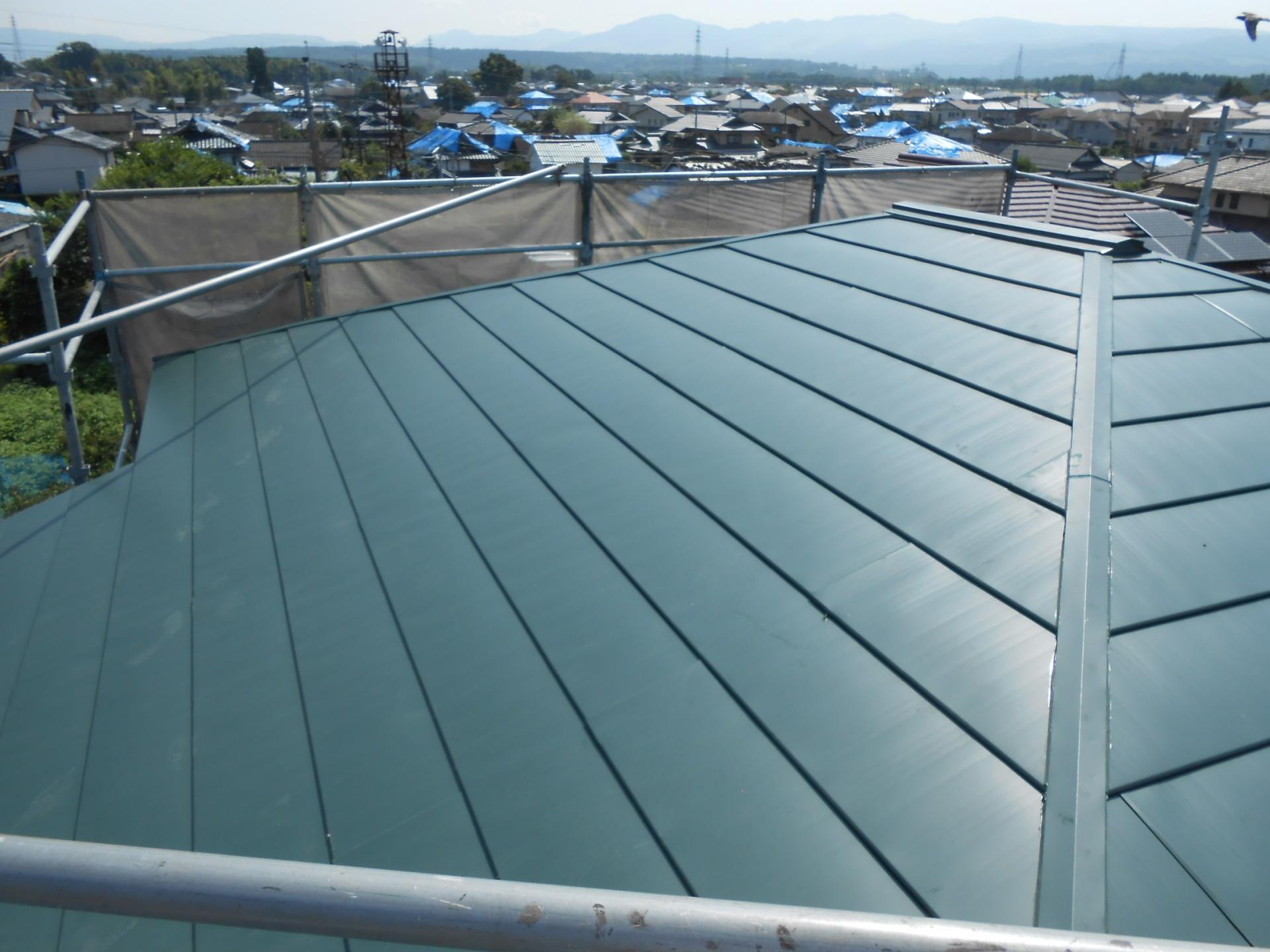 大屋根 金属製屋根 完了