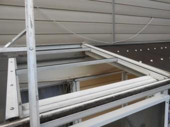 ルーフバルコニーの屋根ハガレ