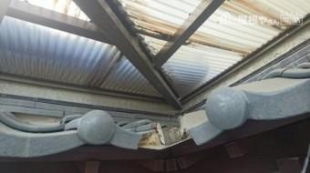 屋根波板風化と汚れ状況