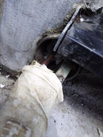 エアコン配管穴