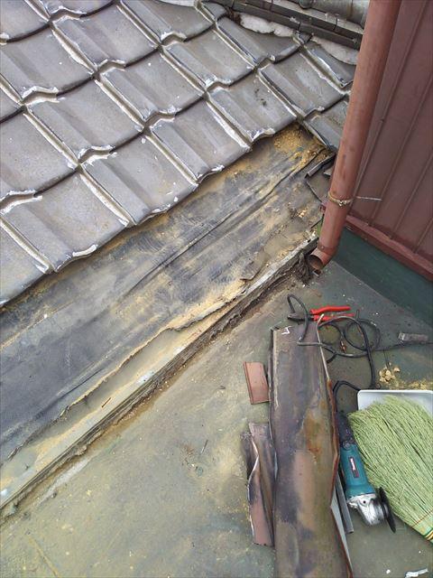 屋上屋根の撤去状況