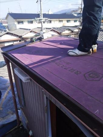 屋上屋根カバー工法ルーフィング
