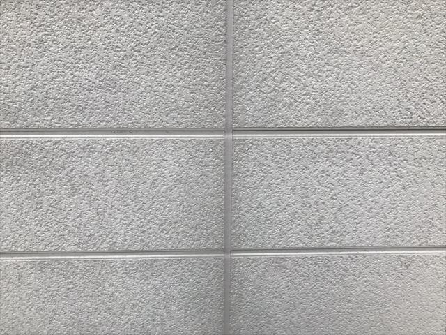外壁塗装 サッシ廻りコーキング打ち替え後
