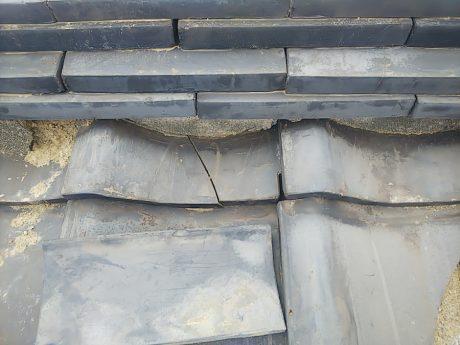 漆喰と平瓦の被害状況