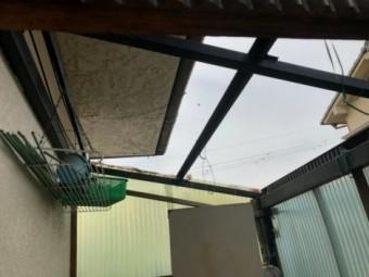 屋根波板の飛散状況