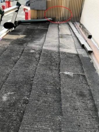 立上り壁と屋根材の劣化
