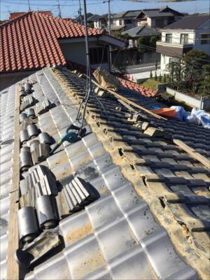 和泉市にて破損してしまった屋根瓦の改修工事を行いました