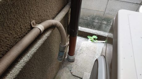 竪樋破損部改修