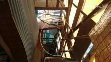 ベランダから大屋根に設置した階段